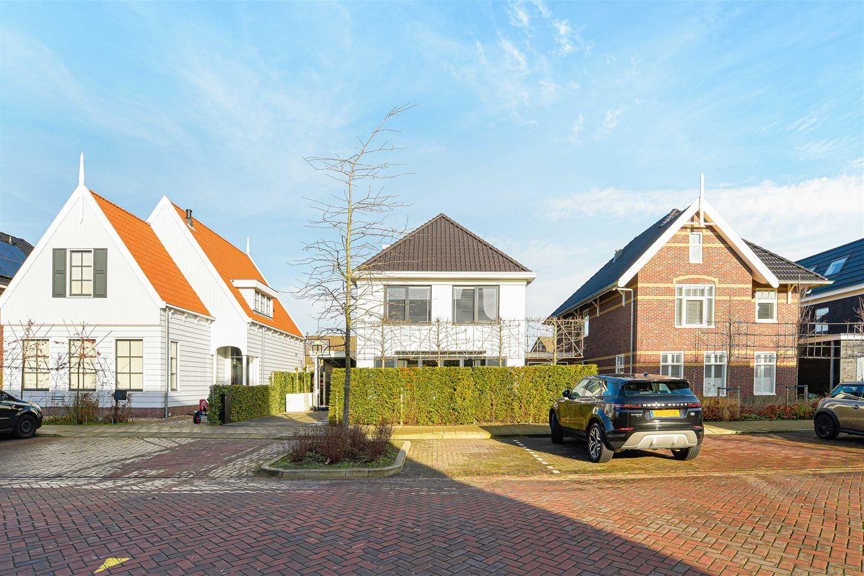View photo 2 of Langhuislaan 37