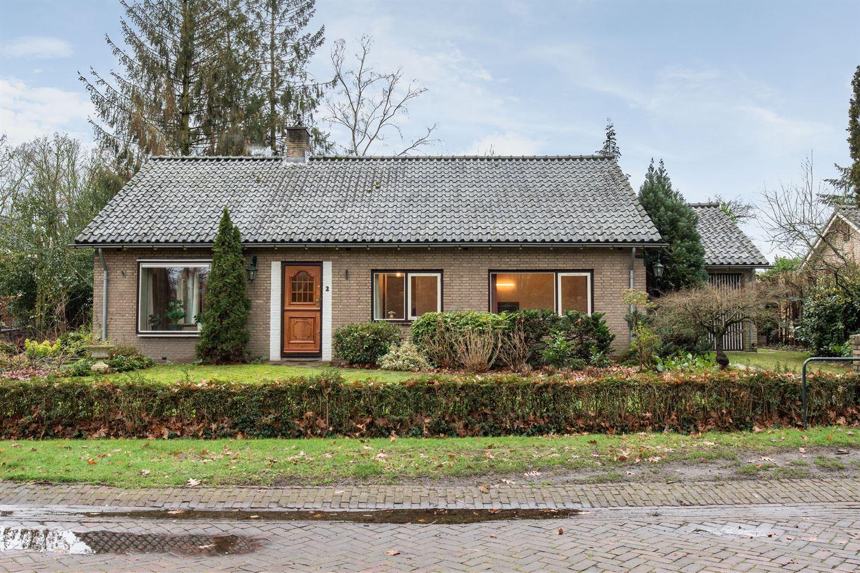 Bekijk foto 1 van van der Borch van Verwoldeweg 2