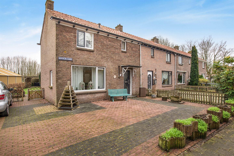 Bekijk foto 1 van Hertog Willemweg 35