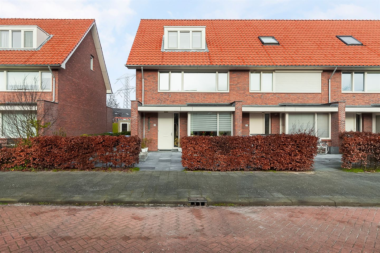 Bekijk foto 1 van Jan Sluijtersstraat 19