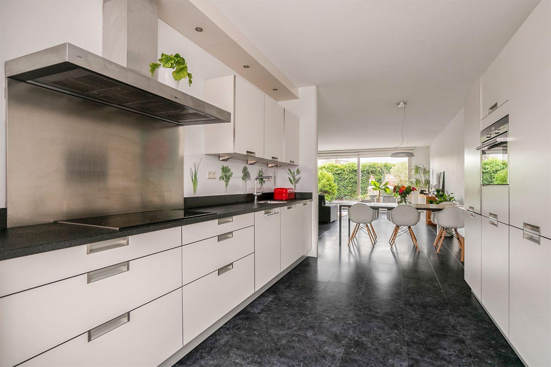 Bekijk foto 4 van Jan Sluijtersstraat 19