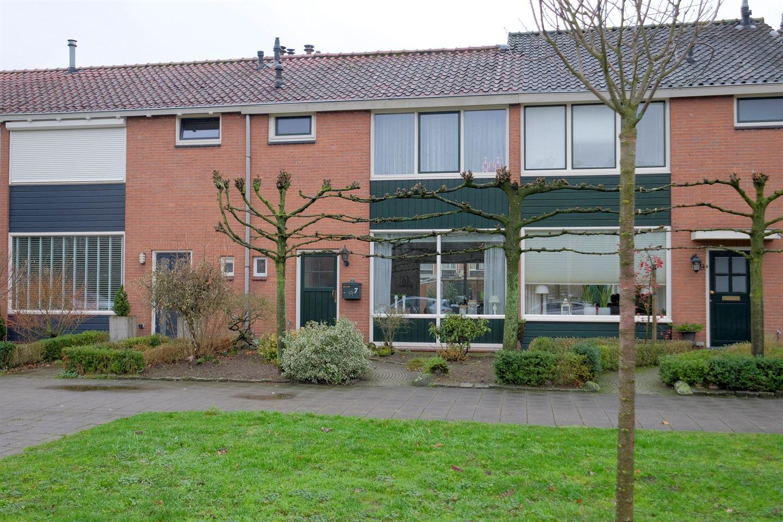 Bekijk foto 1 van Bruggertstraat 7