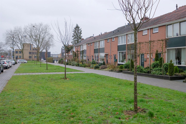 Bekijk foto 2 van Bruggertstraat 7
