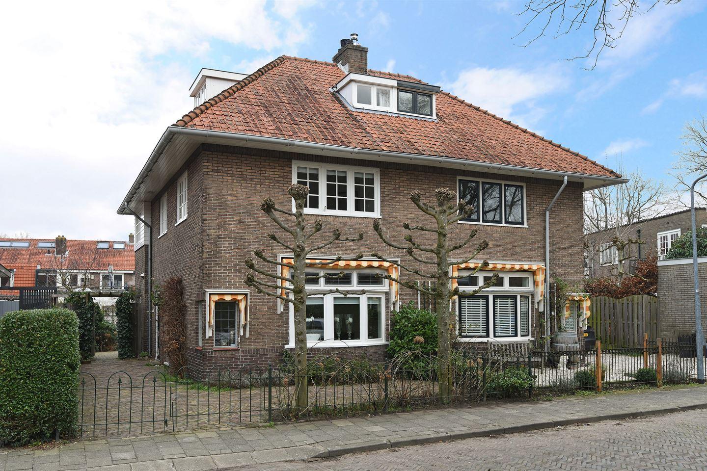 Bekijk foto 1 van Hugo de Grootstraat 4