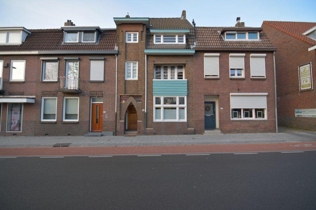 Bekijk foto 2 van Schaesbergerweg 45