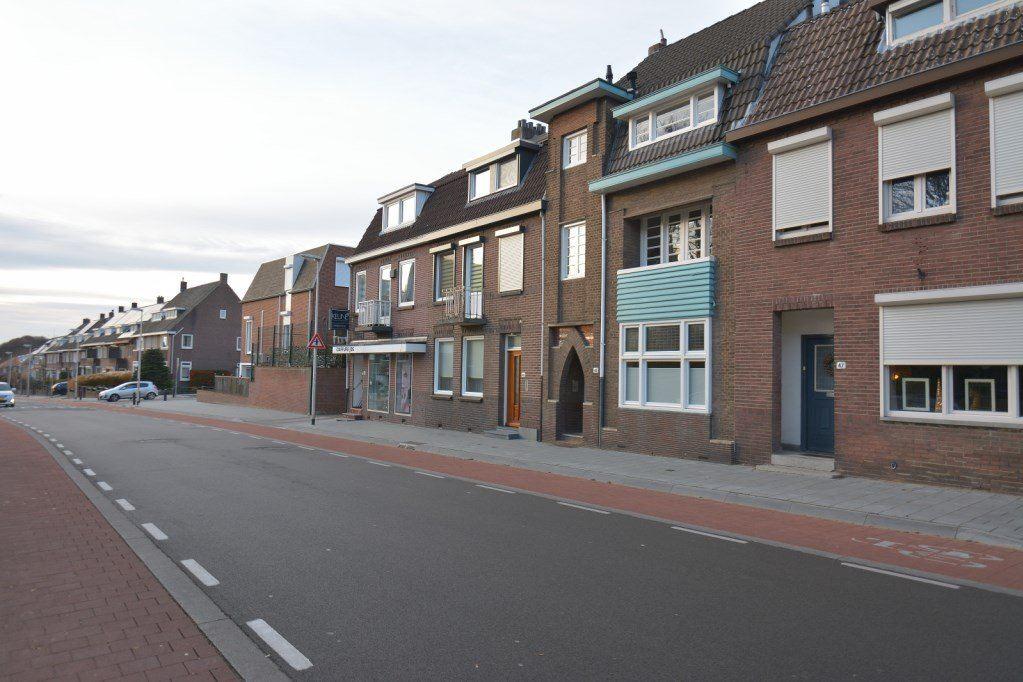 Bekijk foto 3 van Schaesbergerweg 45