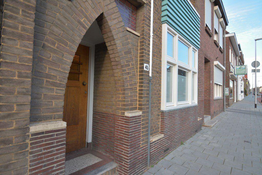 Bekijk foto 5 van Schaesbergerweg 45