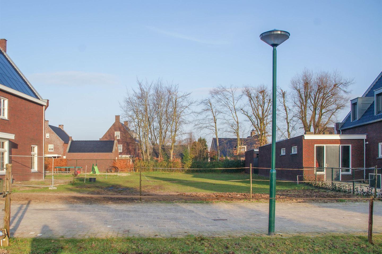 Bekijk foto 3 van Karel Doormanstraat 3