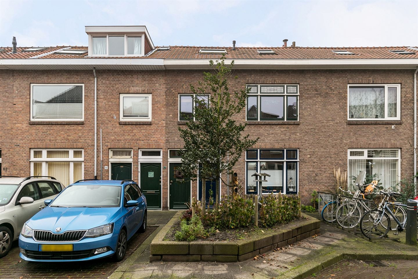 View photo 1 of Heeswijkstraat 68