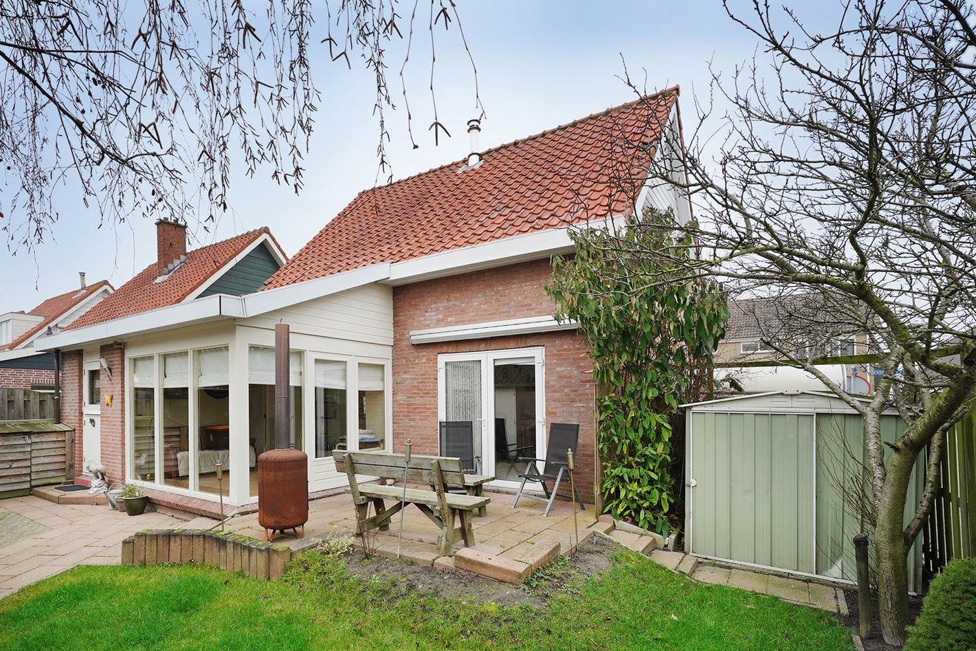 Bekijk foto 2 van Erling Steenstraat 20