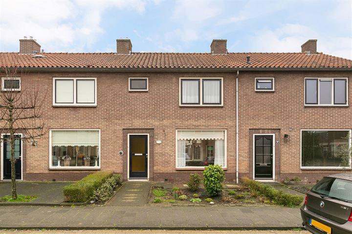 Prins Willem van Oranjestraat 28