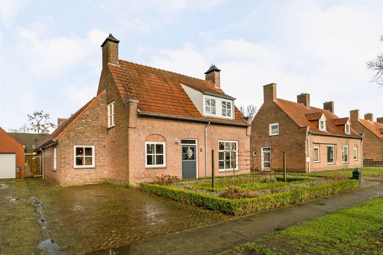 Bekijk foto 2 van Prinses Marijkestraat 57