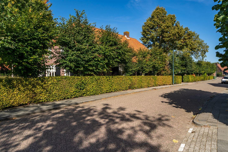 Bekijk foto 2 van Burgstraat 13