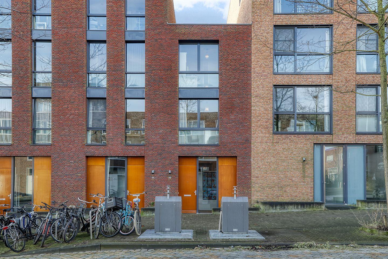 Bekijk foto 2 van Maria Austriastraat 82