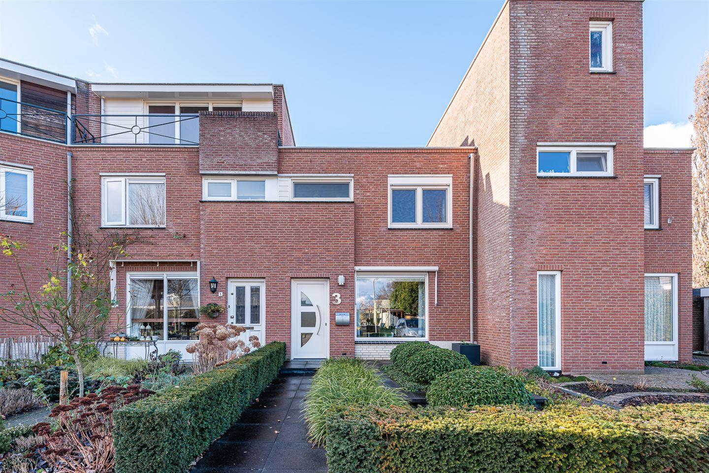 Bekijk foto 1 van Neerijnenstraat 3