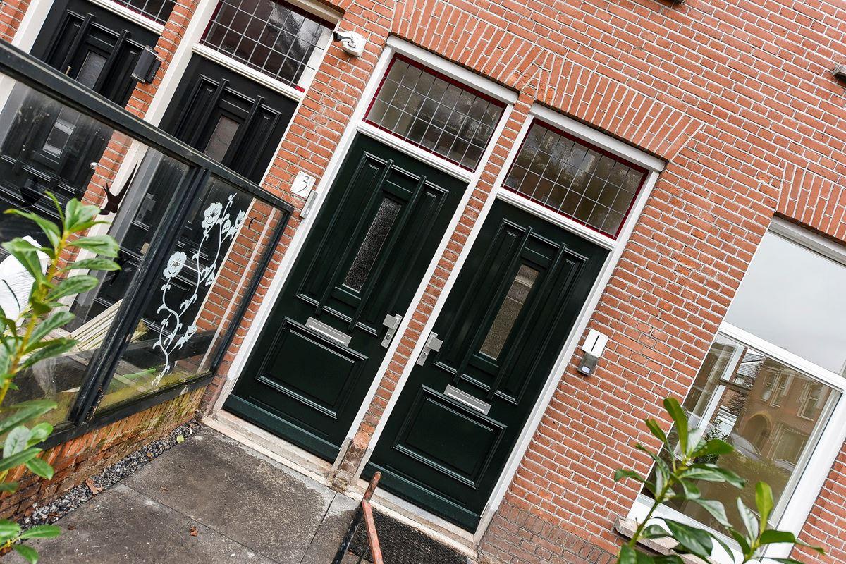 Bekijk foto 2 van Zuyderloostraat 3