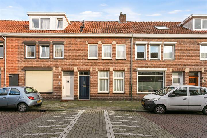 Oscar Leeuwstraat 12