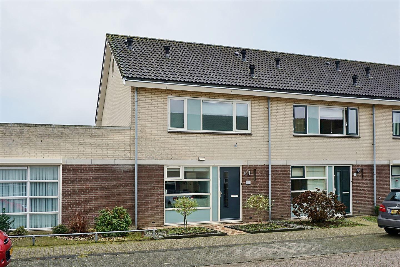 Bekijk foto 1 van Meedhuizenstraat 8