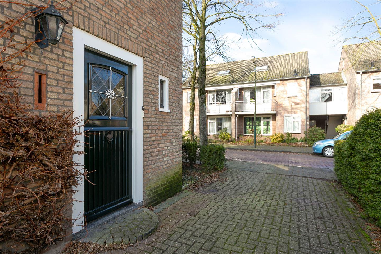 Bekijk foto 4 van Hertog Janlaan 2
