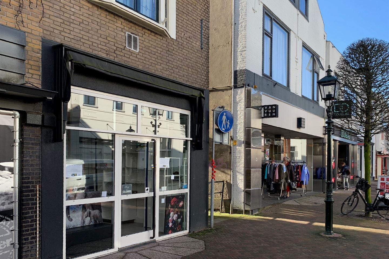 View photo 4 of Laanstraat 53