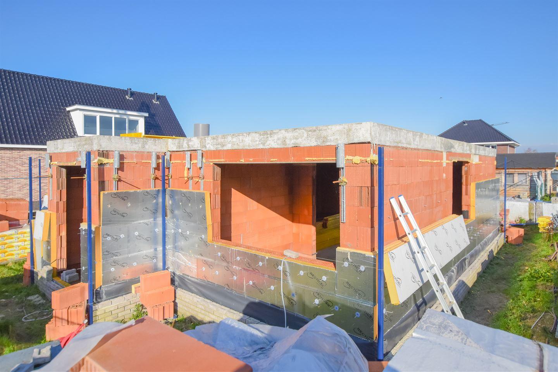 Bekijk foto 2 van Uithof 5