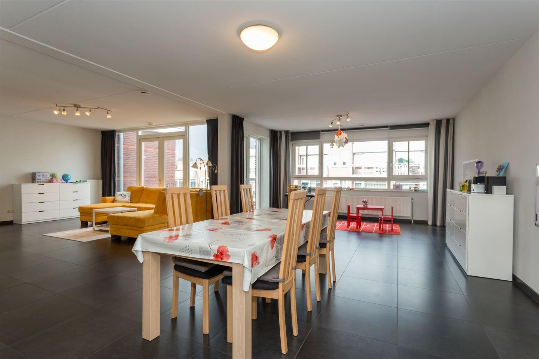View photo 1 of Kerkstraat 402