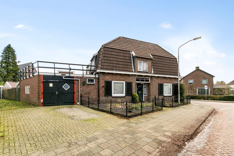 Bekijk foto 1 van Weversstraat 1
