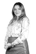 Aniska Broers  (Sales employee)