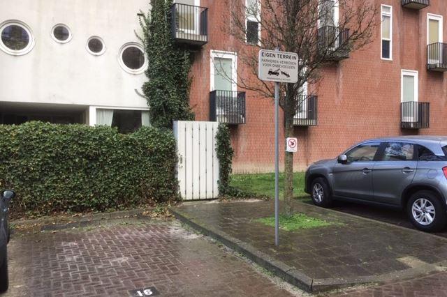 Parkeerplaats nabij Dommelhoefstraat
