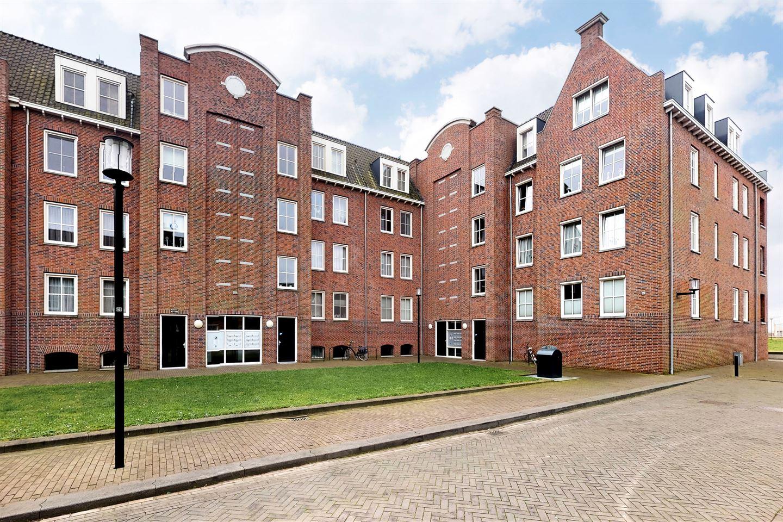 View photo 2 of Willem van Oranjestraat 125