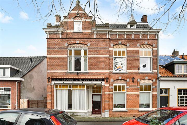 Liesbosstraat 24