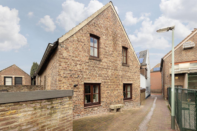 View photo 2 of Dijksteeg 1