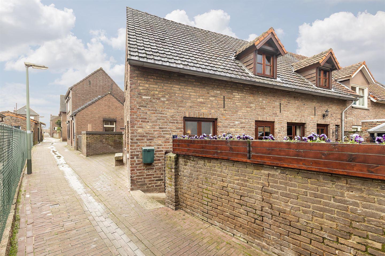 View photo 3 of Dijksteeg 1