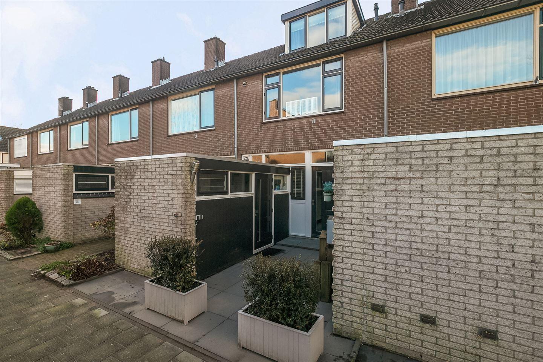View photo 2 of Nassaustraat 77