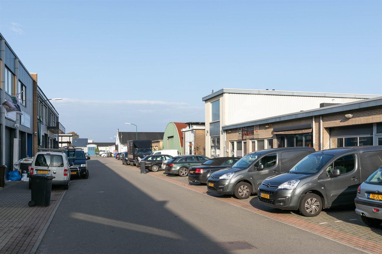 Bekijk foto 2 van Industrieweg 24  en 24A