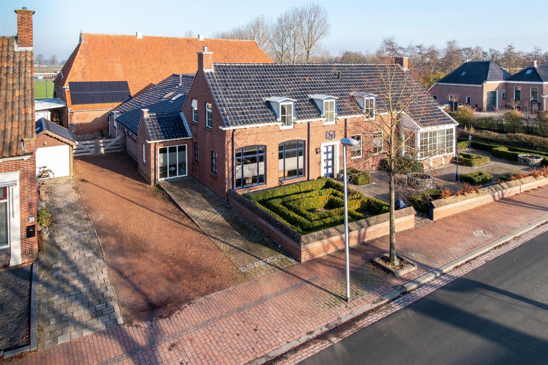 View photo 2 of Hoofdweg 40