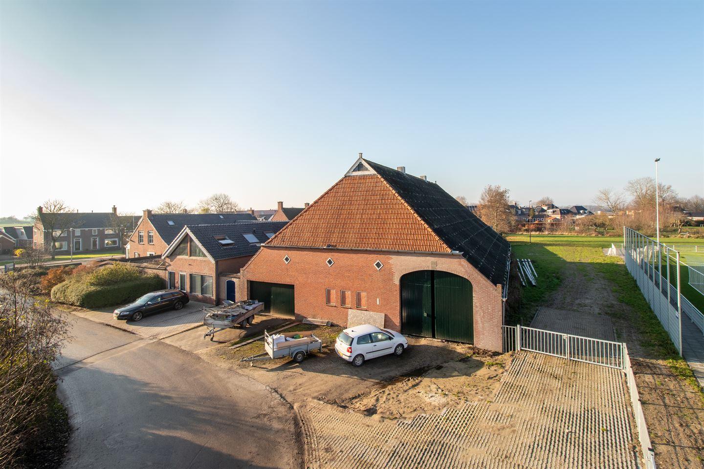 View photo 3 of Hoofdweg 40
