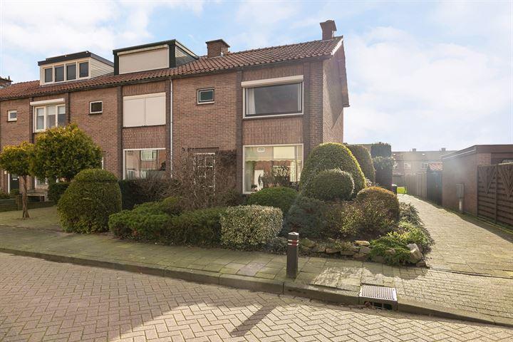 Jan Pieterszoon Coenstraat 13 *
