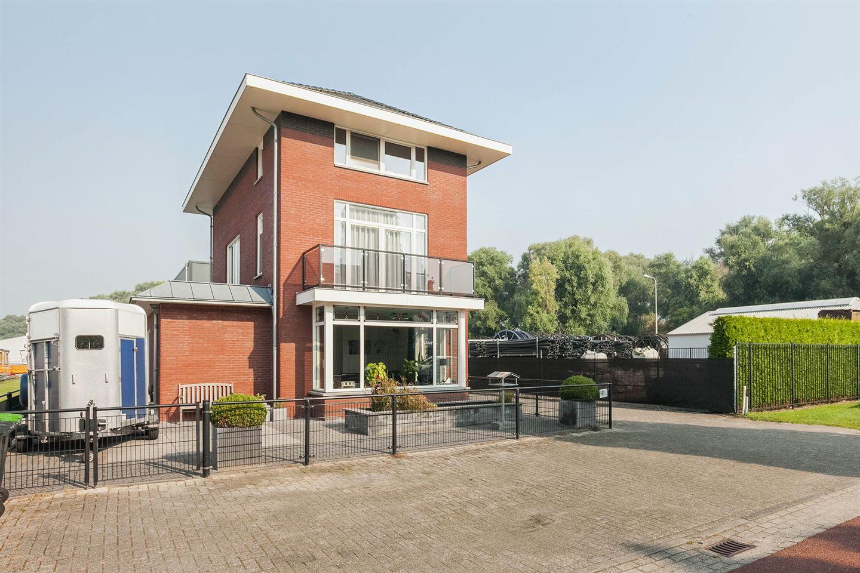 Bekijk foto 3 van J.P. Broekhovenstraat 22