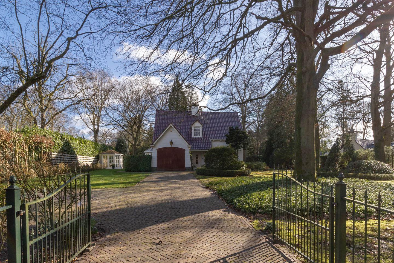 View photo 2 of Wisseloordlaan 6