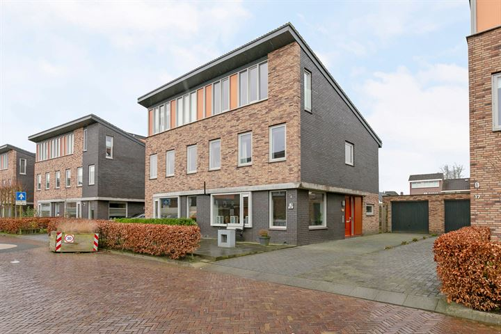 Huygensstraat 15