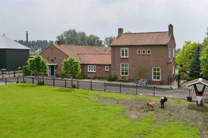 Nieuwemeerdijk 242