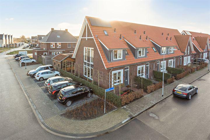 Dominee J T Doornenbalstraat 2