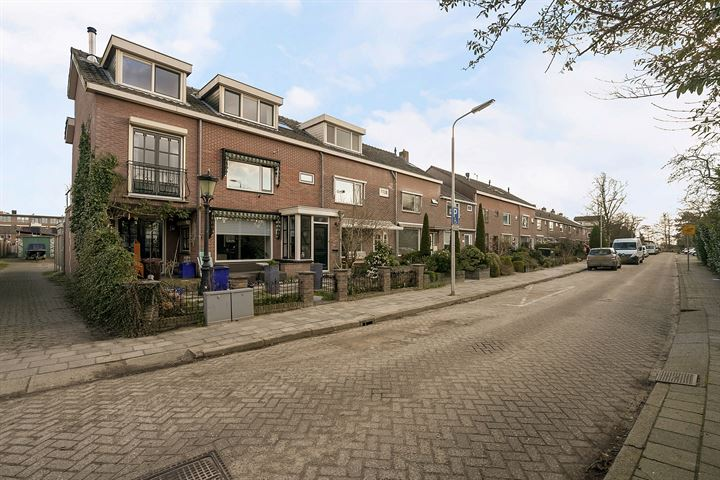 Jacob Reviusstraat 12