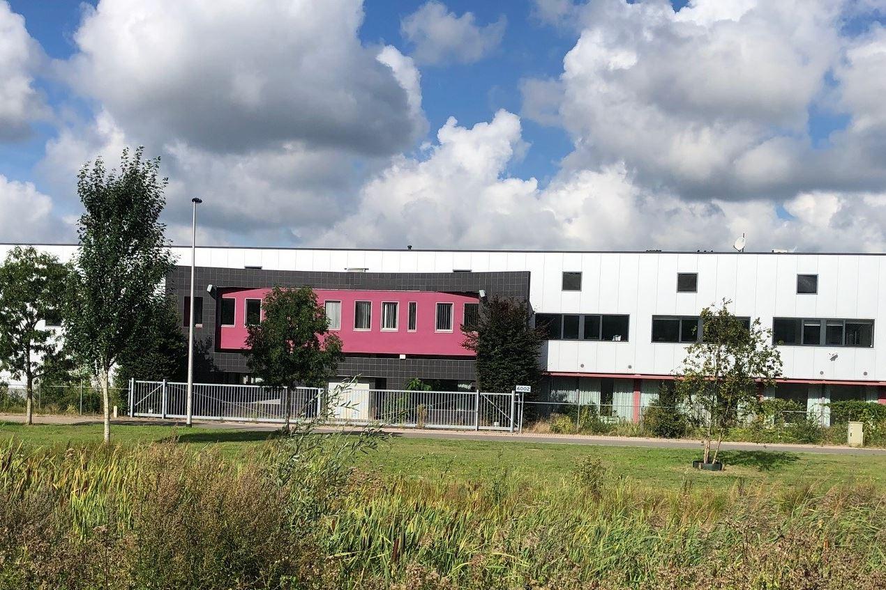 Bekijk foto 1 van Wethouder van Nunenstraat 10