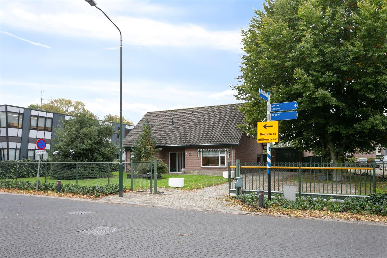 Bekijk foto 2 van Bukkumweg 24