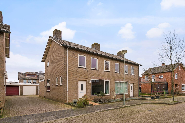 Bekijk foto 1 van Dr.Schaepmanstraat 62