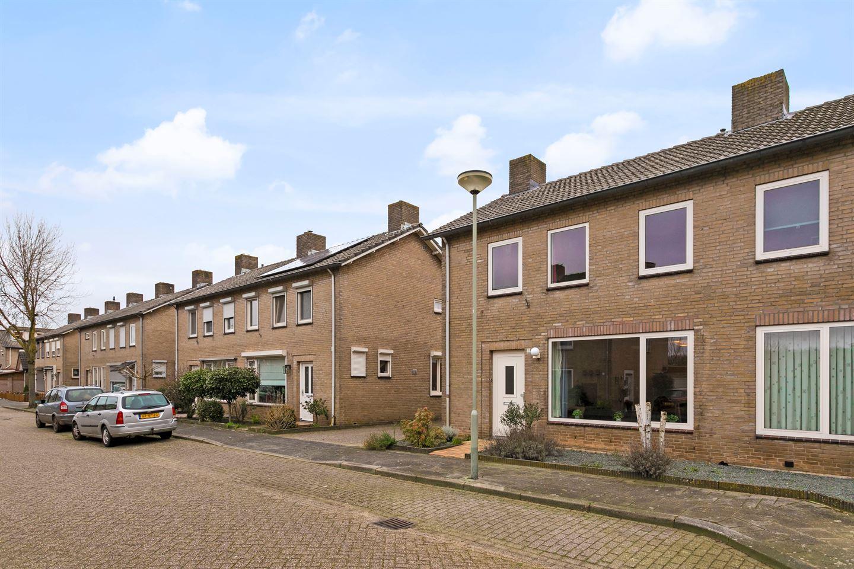 Bekijk foto 2 van Dr.Schaepmanstraat 62