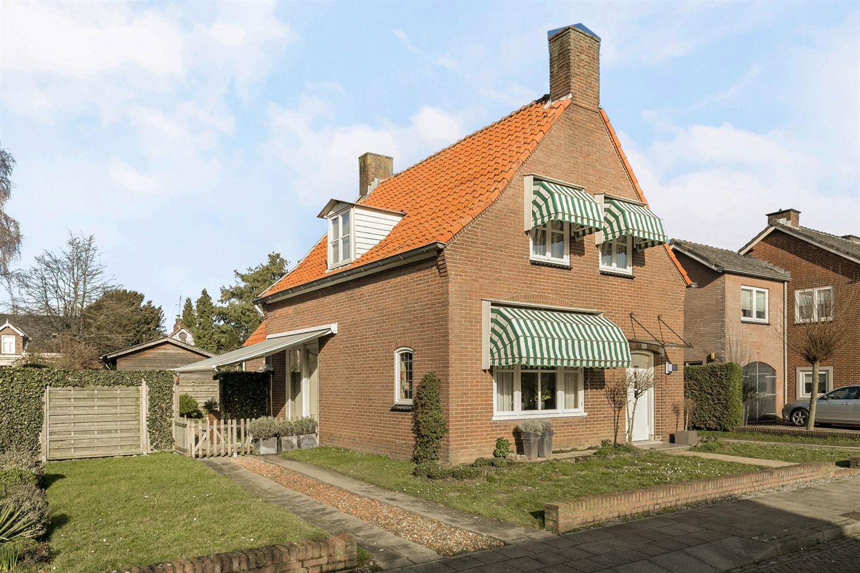 Bekijk foto 1 van Burgemeester Eijckelhofstraat 47