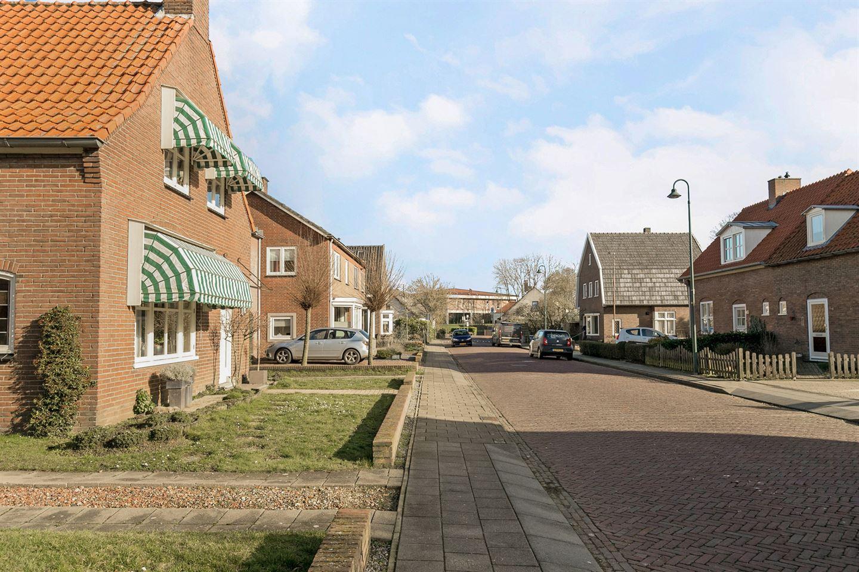 Bekijk foto 3 van Burgemeester Eijckelhofstraat 47